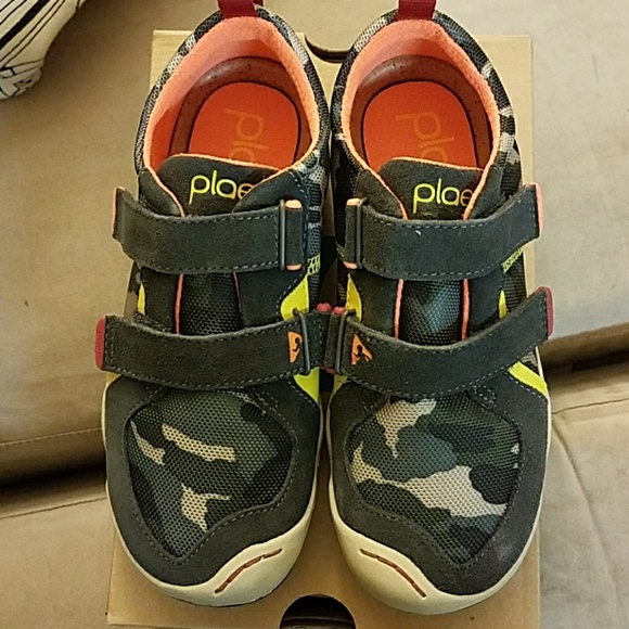 PLAE Shoes   Brand New Size 5 Plae Ty